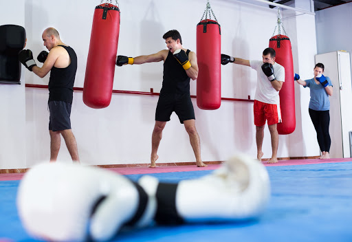 How to work the heavy bag
